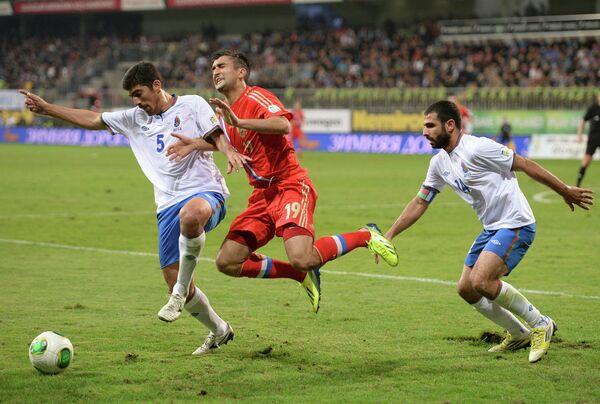 Игровой момент матча Азербайджан - Россия