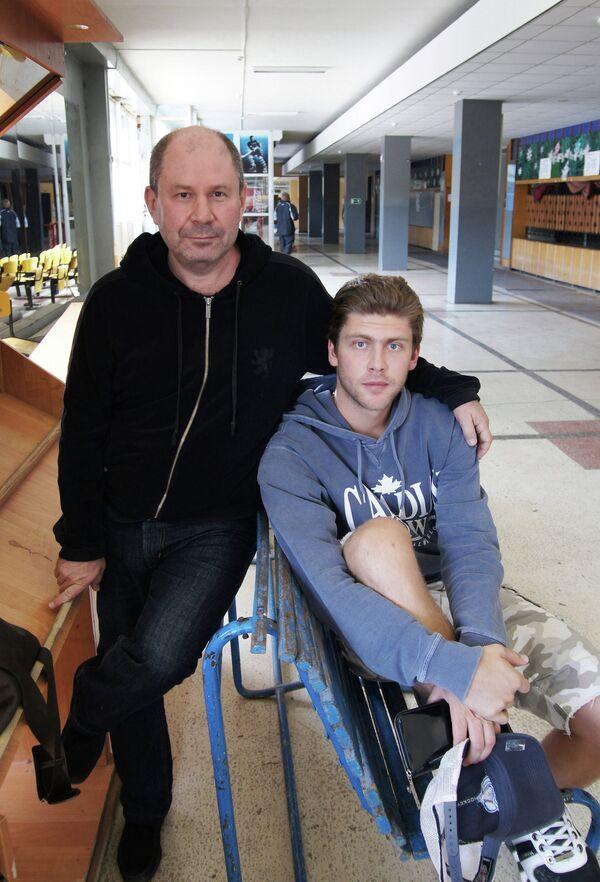 Семен Варламов (справа) со своим отцом Александром Варламовым
