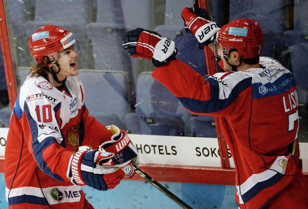 Виктор Тихонов (слева) и Энвер Лисин