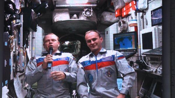 Космонавты с МКС приветствовали олимпийский огонь во Владивостоке