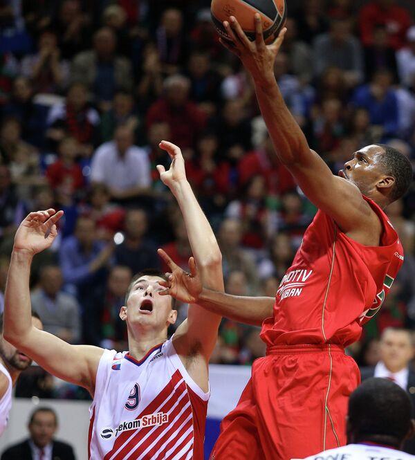 Игровой момент матча Локомотив-Кубань - Црвена Звезда