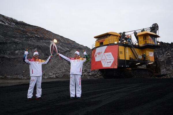 Эстафета Олимпийского огня. Кедровский угольный разрез