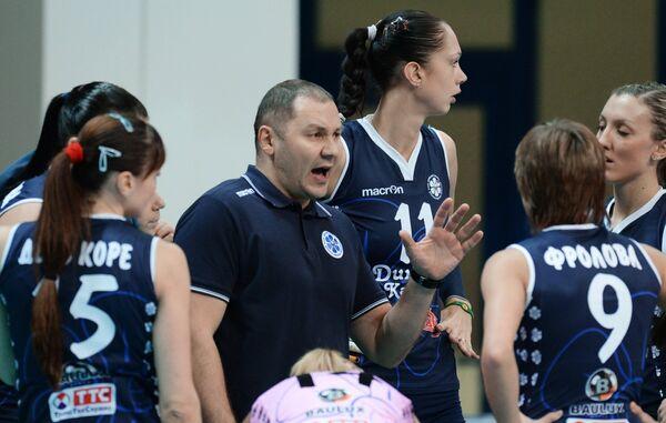 Ришат Гилязутдинов (в центре)