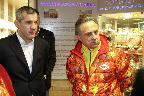 Бувайсар Сайтиев (слева) и Виталий Мутко