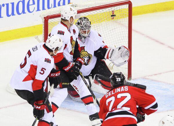 Игровой момент матча НХЛ Оттава Сенаторз - Нью-Джерси Девилз