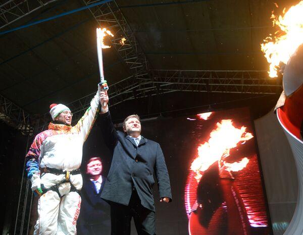 Президент комиссии ледолазания при Международной федерации альпинизма Павел Шабалин (слева) и губернатор Кировской области Никита Белых