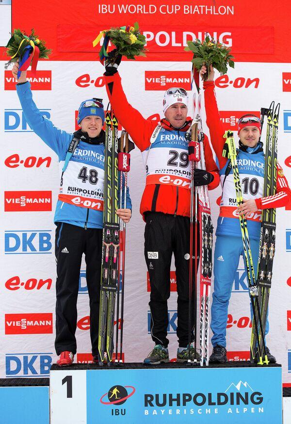 Алексей Волков (Россия) - второе место, Эмиль Хегле Свендсен (Норвегия) - первое место, Евгений Устюгов (Россия) - третье место (слева направо)