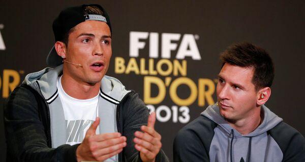 Криштиану Роналду и Лионель Месси на пресс-конференции, посвященной вручению Золотого мяча-2013