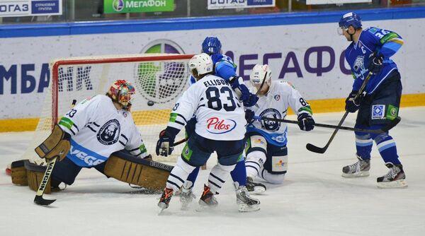 Игровой момент матча Барыс Медвешчак