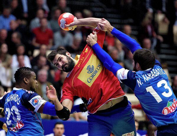 Игровой момент матча Франция - Испания