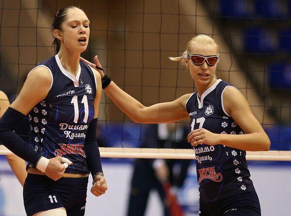 Екатерина Гамова и Регина Мороз (слева направо)