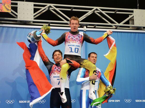 Альберт Демченко (Россия) - серебряная медаль, Феликс Лох (Германия) - золотая медаль, Армин Цогеллер (Италия) - бронзовая медаль (слева направо)
