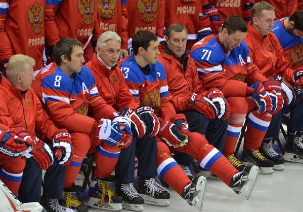 Владимир Мышкин, Александр Овечкин, главный тренер Зинэтула Билялетдинов, Павел Дацюк