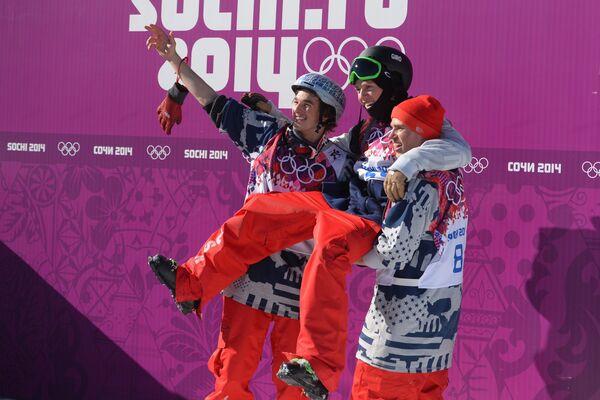 Американцы Николас Гоппер (третье место), Джосс Кристенсен (первое место) и Гас Кенуорти (второе место) (слева направо)