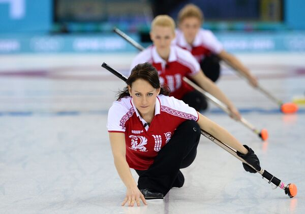 Екатерина Галкина (Россия), Александра Саитова (Россия) и Маргарита Фомина (Россия)