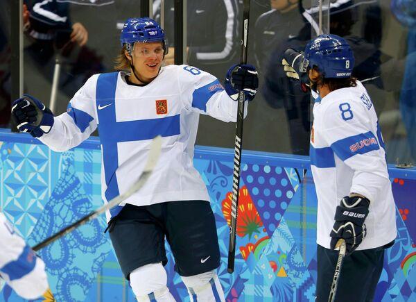 Микаэль Гранлунд (слева) и Теему Селянне