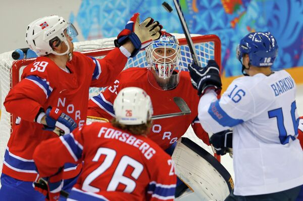 Игровой момент матча Финляндия Норвегия