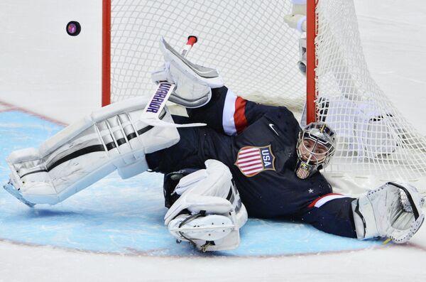 Голкипер сборной США по хоккею Джонатан Куик