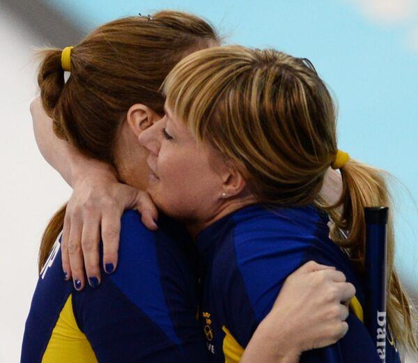 Слева направо: Кристина Бертруп (Швеция) и Мария Прюц (Швеция