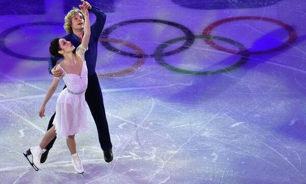 Мерил Дэвис и Чарли Уайт (США) во время показательного выступления на XXII зимних Олимпийских играх в Сочи