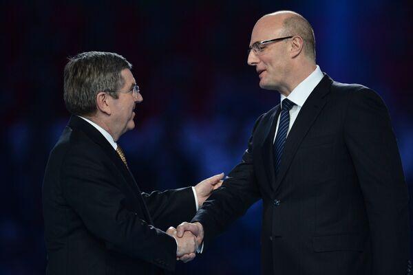 Томас Бах (слева) и Дмитрий Чернышенко