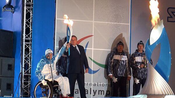 Факел Паралимпиады зажгли в Сочи от чаши с огнем из 45 городов