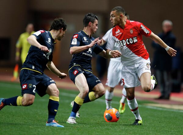Игровой момент матча Монако - Сошо