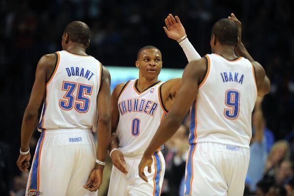 Баскетболисты Оклахомы Кевин Дюрант, Рассел Уэстбрук и Серж Ибака (слева направо)