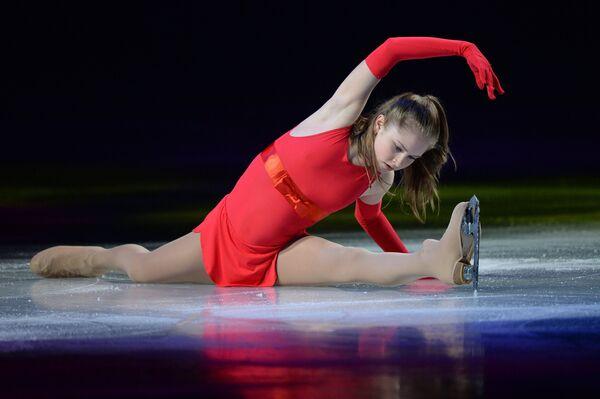 Юлия Липницкая (Россия) во время показательного выступления