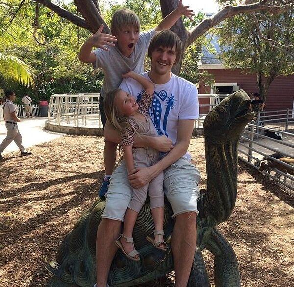 Андрей Кириленко с детьми