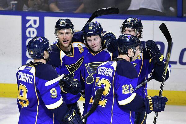 Гол Тарасенко помог Сент-Луису обыграть Чикаго во втором матче плей-офф НХЛ
