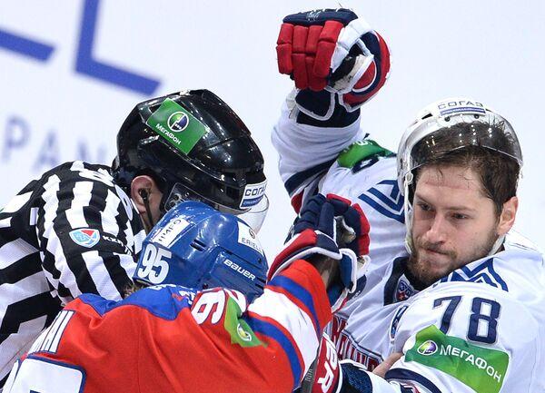 Якуб Матаи (в центре) и Ярослав Хабаров (справа)