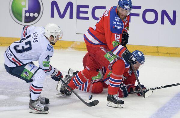 Игровой момент матча Лев - Металлург