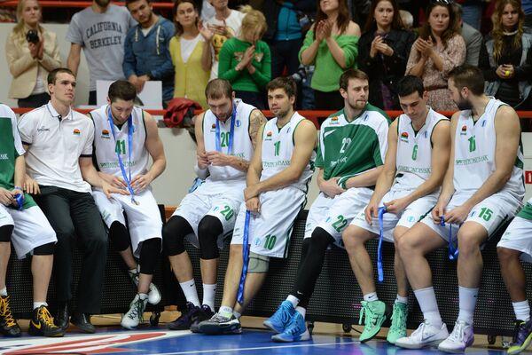 Баскетболисты УНИКСа после окончания финального матча Кубка Европы 2013/2014