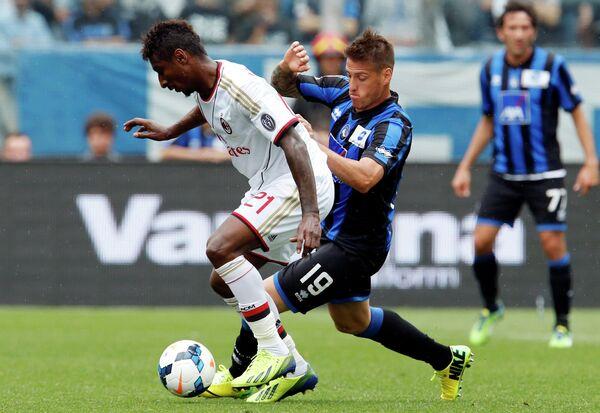 Игровой момент матча Атланта-Милан