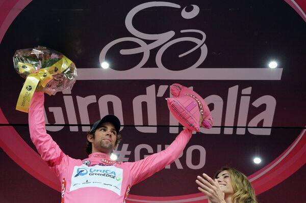 Австралийский велогонщик Майкл Мэттьюз на подиуме Джиро д'Италия