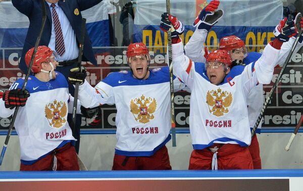 Хоккеисты сборной России Сергей Калинин, Евгений Малкин и Александр Овечкин