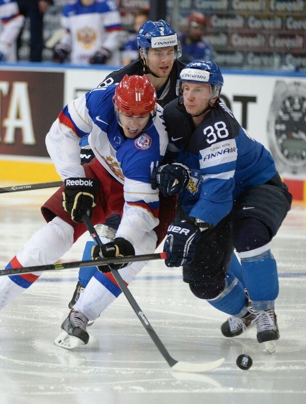 Игровой момент матча между сборными командами России и Финляндии