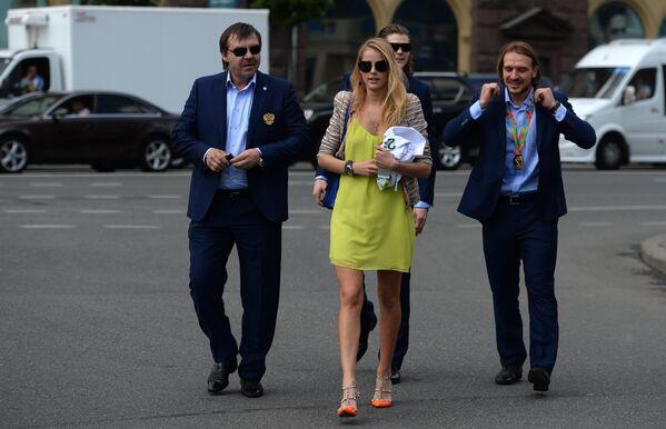 Олег Знарок с дочерью Алисой, Виктор Тихонов и Андрей Зубарев (слева направо)