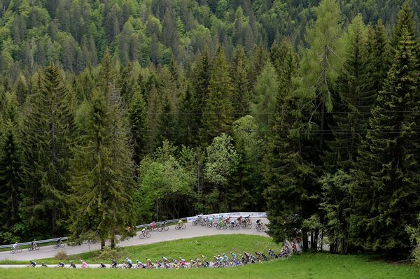 Велогонщик Лука Мезгец выиграл заключительный этап Джиро д'Италия