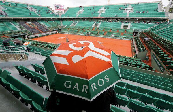 Матчи на Ролан Гаррос отложены из-за дождя
