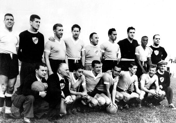 Футболисты сборной Уругвая, 1950 год.