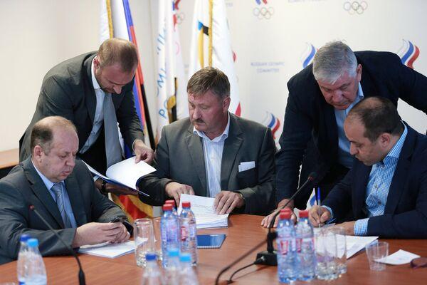 Андрей Селиванов (слева), Валерий Цыганов (в центре), Михаил Степанянц (второй справа) и Дмитрий Свищев