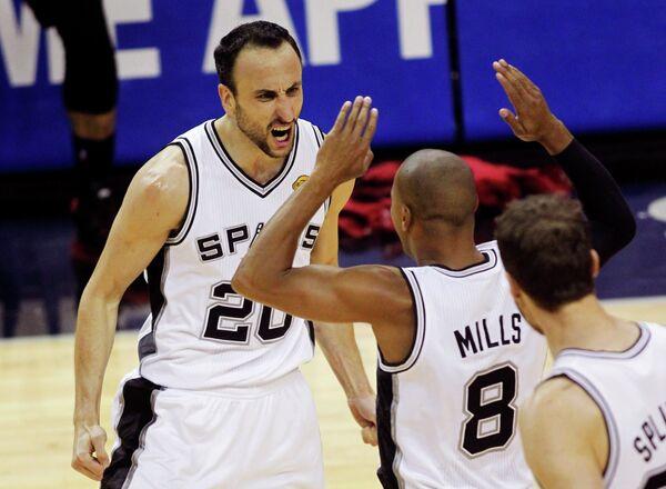 Баскетболисты Сан-Антонио Спёрс стали чемпионами НБА