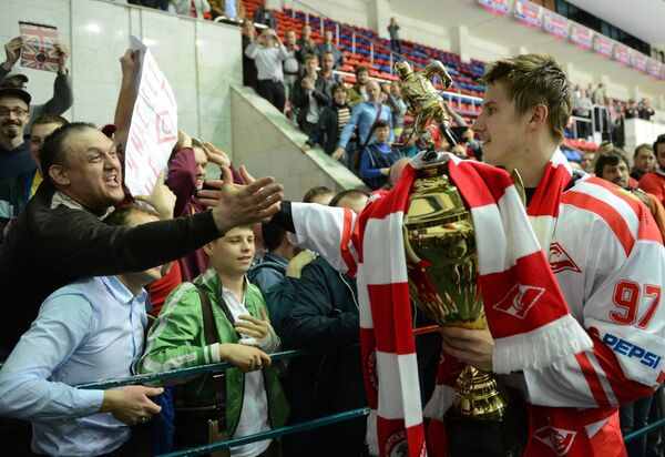 Илья Неколенко