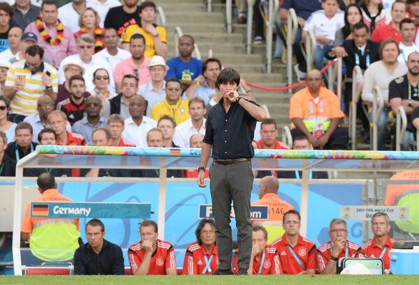 Главный тренер сборной Германии Йоахим Лев в финальном матче чемпионата мира по футболу.