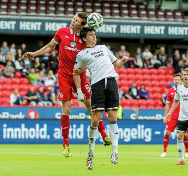 Игровой момент матча Лиги Европы Слайго Роверс - Русенборг