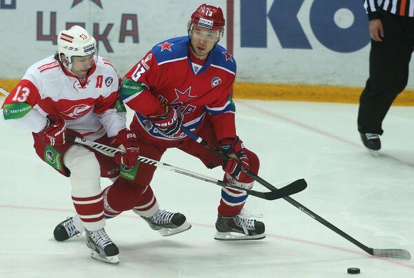 Вячеслав Козлов (слева) и Иван Непряев