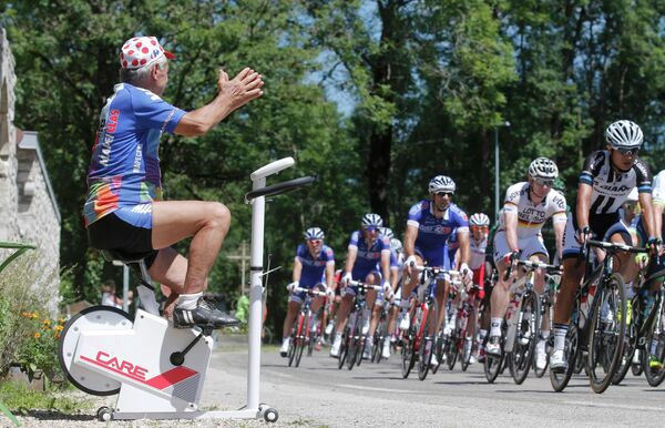 Велогонщики на дистанции