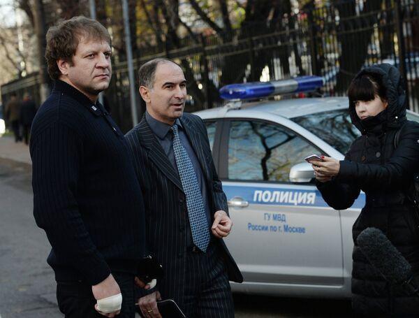 Александр Емельяненко (слева)